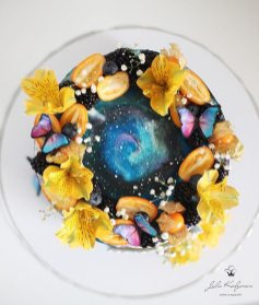yulia-kedyarova-gateaux-galaxies-fleurs-3