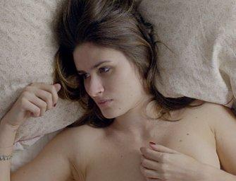 «Je suis nue», un court métrage puissant sur les dangers d'internet