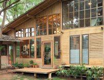 Une maison en bambou au milieu de la nature en Thailande