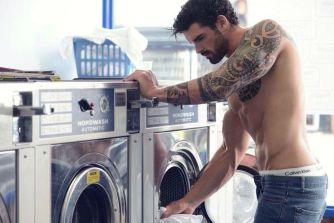 Les hommes et la lessive… Tout un programme !