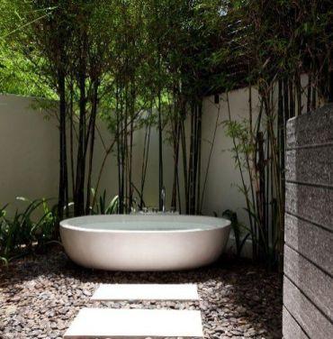 Une baignoire en extérieur (11)