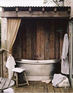 Une baignoire en extérieur (15)