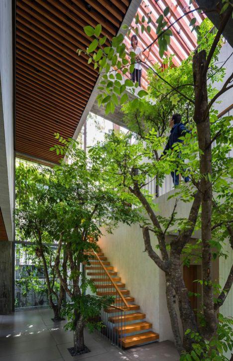 Les-Architectes-de-VTN-ont-conçu-une-Maison-vietnamienne-avec-un-Espace-vert-à-lIntérieur-03