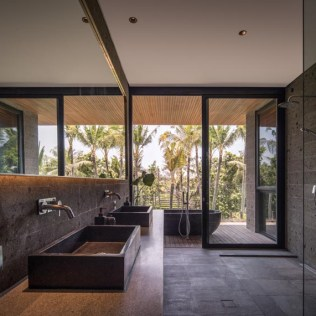 modern-bathroom-with-outdoor-bath-100220-1205-08