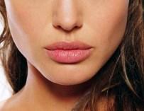 Les bons gestes au quotidien pour des lèvres parfaites