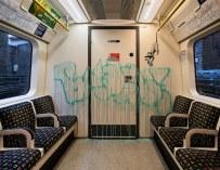 Banksy réalise de nouvelles œuvres d'art liées aux coronavirus dans le métro de Londres