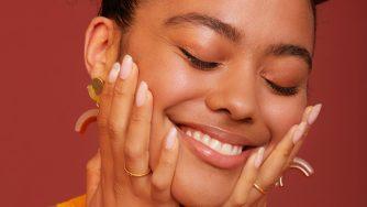 L'huile de noix de coco pour la peau : le guide complet
