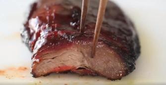 Le porc barbecue mariné à la chinoise