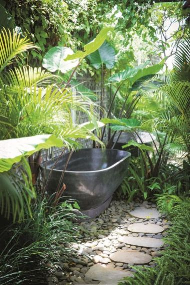 Une baignoire extérieure (3)