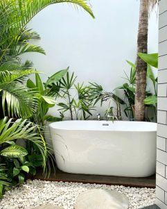 Une baignoire extérieure (5)
