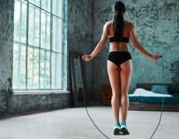 Retrouvez votre tonus grâce à 7 super sauts à faire à la corde à sauter