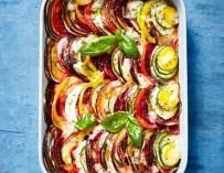Tian aux légumes d'été et mozzarella