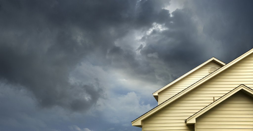 house storm clouds