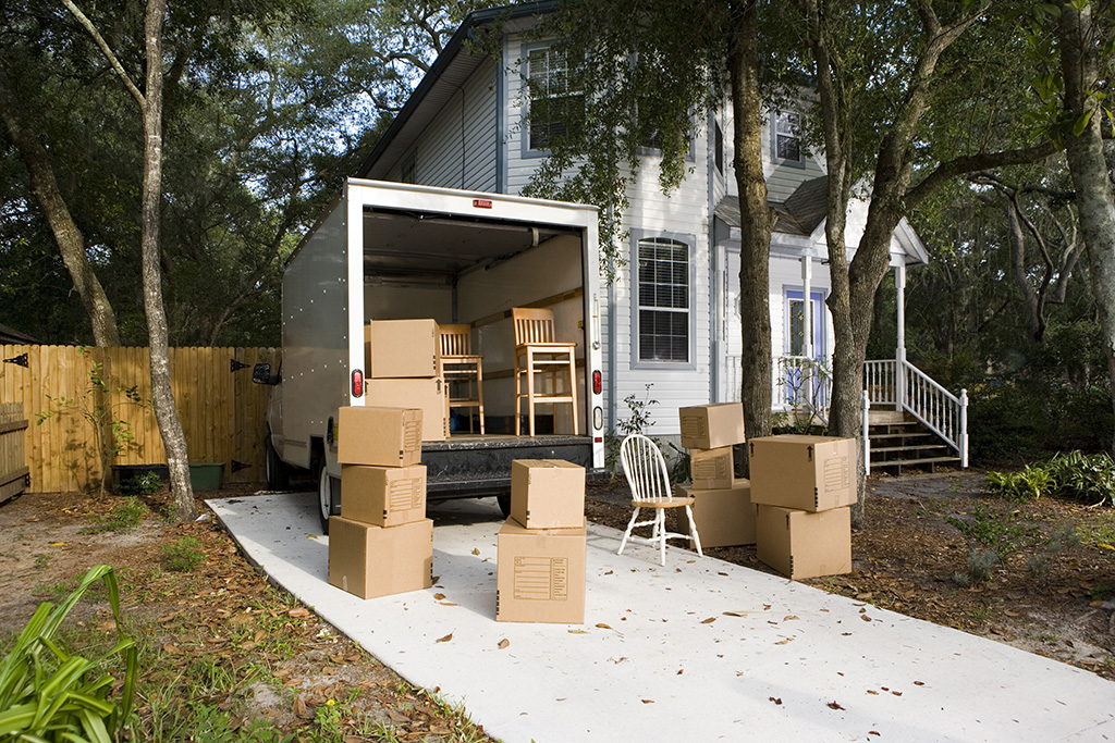 8 Essential Moving Day Tips