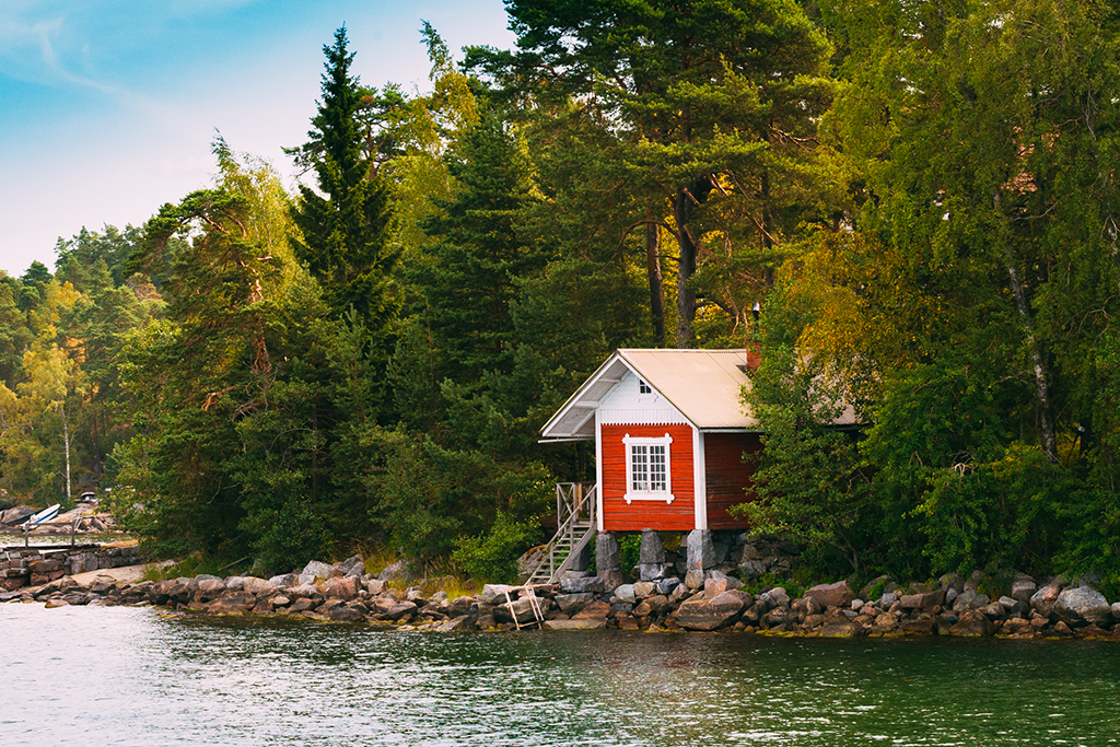 7 Necessary Items for Living in a Tiny House