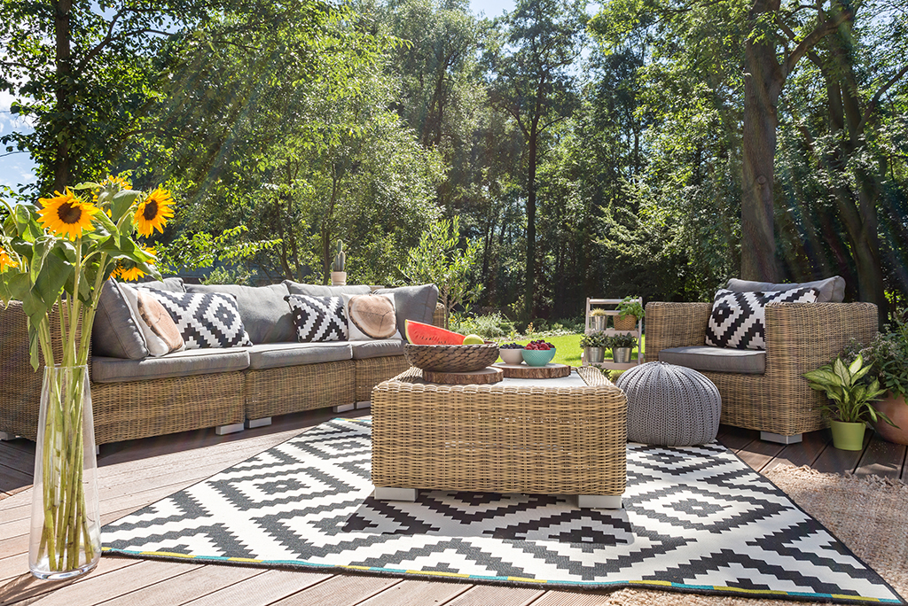 outdoor furniture - Backyard Ready! The 10 Best Places To Find Outdoor Furniture This
