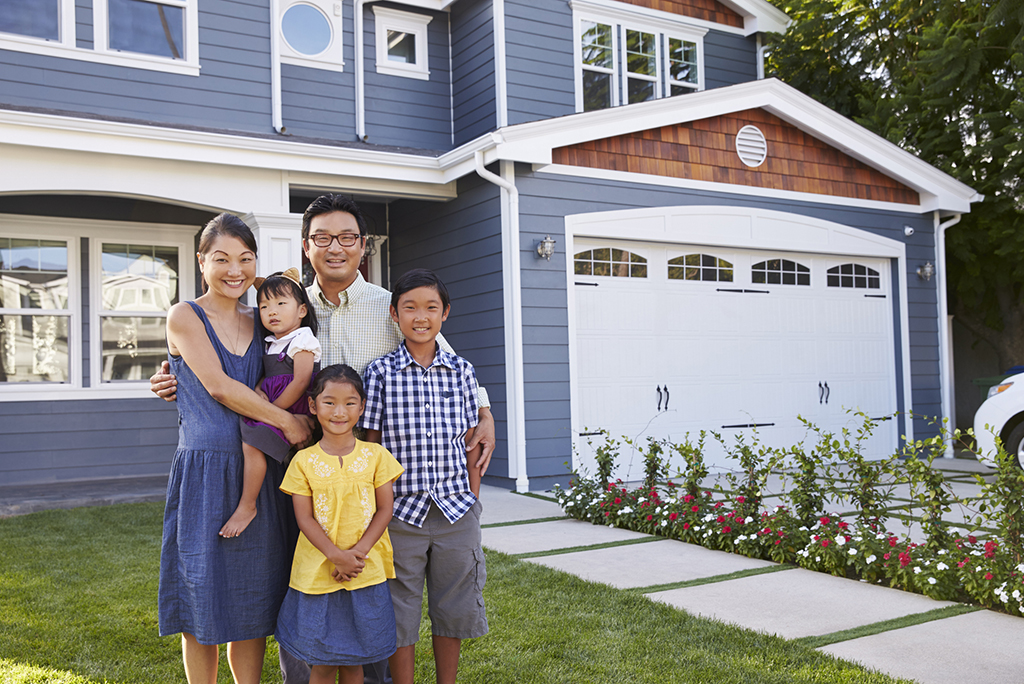 Tips for Winning a Bidding War on a House You Really Want