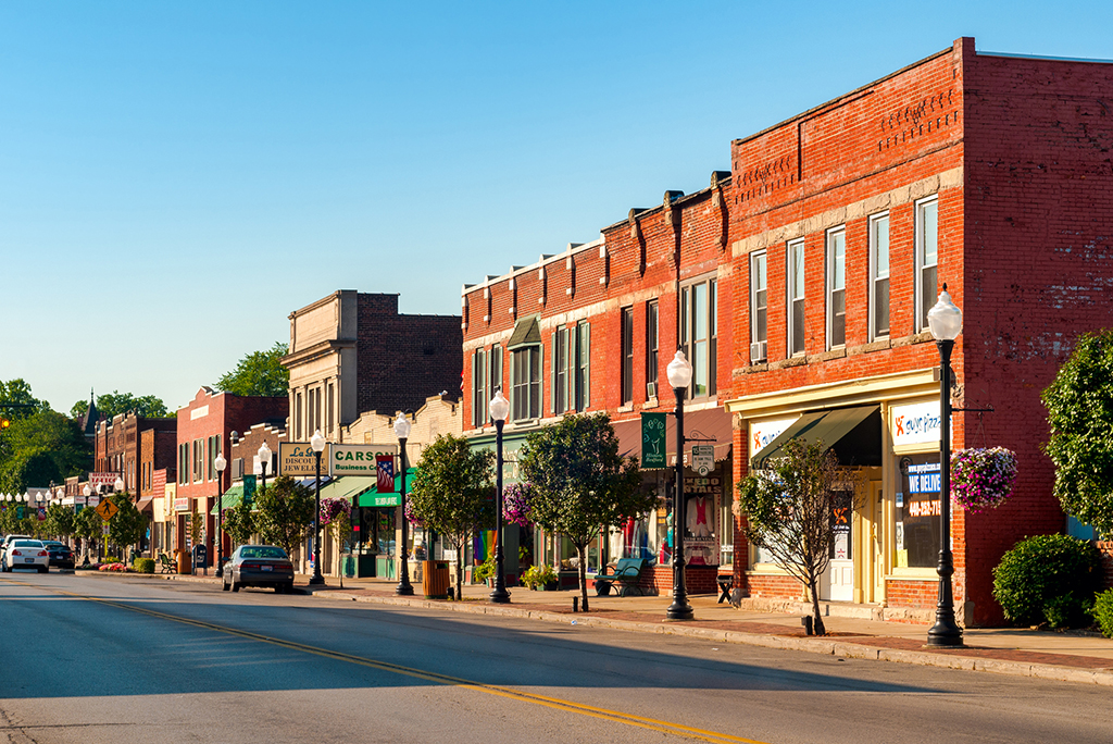 Dos and Don'ts of Moving Back to Your Hometown