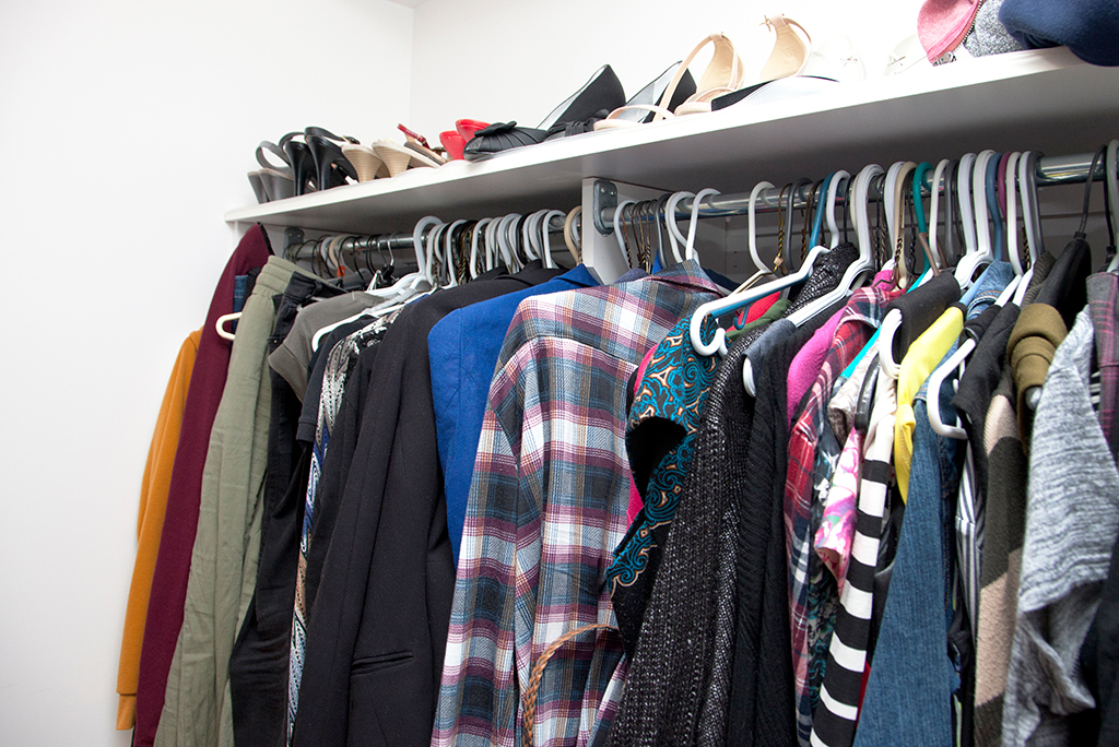 Cleaning Out a Closet Before a Move: 6 Steps to Get it Done