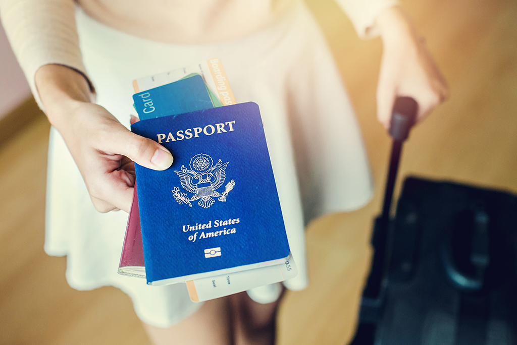 Moving Abroad? 8 Important Documents to Bring With You