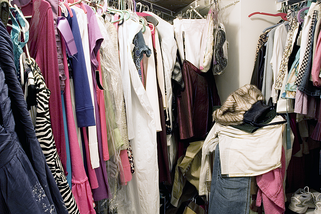 The Pre-Move Purge: Where to Sell Clothes for Cash Online