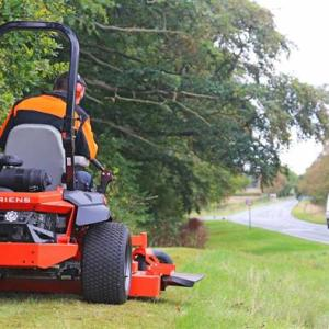 Tractors & Ride-on Mowers