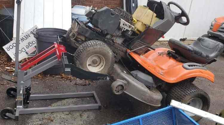 How to Lift Riding Mower to Change Blades – Easy Way to Do