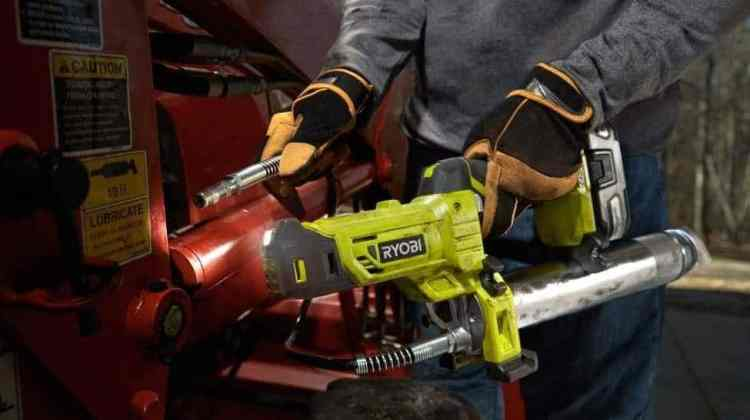 5 Best Cordless Grease Gun Reviews in 2021 (Electric & Battery Powered)