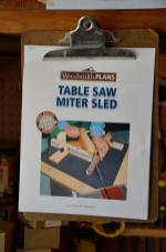 For this project, I need to make another jig ... in this case, to help me make mitered corners for the project.