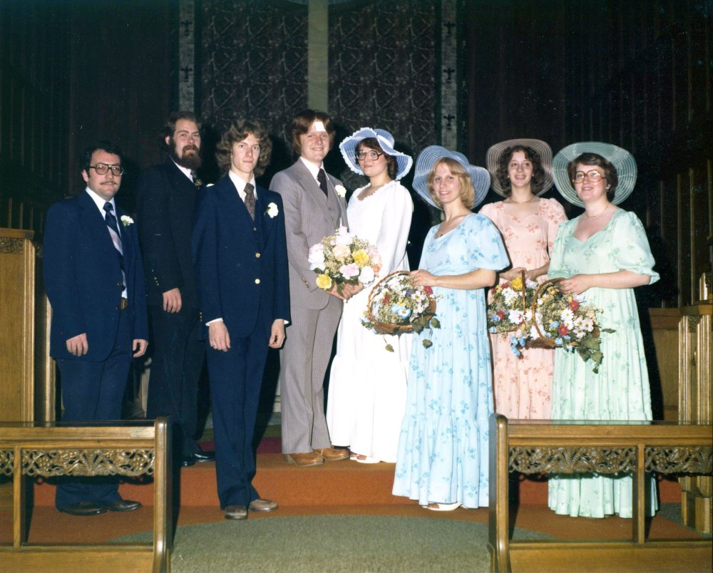 Yes, we were that young. From left, Michael Heathcote (St Louis), Wild Bill Hartman (Barnard, MO), Michael Finney (Kansas City), me (Graham, MO), Mrs Mowry (Belleville, IL), her sister Linda (Belleville, IL), Ruth Kling (St Louis) and Christine Mackey (St Louis).
