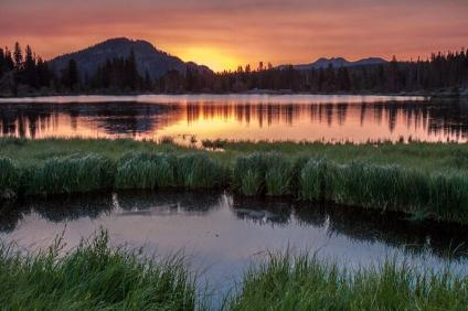 Photo by Nic Showalter. Sunrise over RMNP. Tweeted by the US Department of the Interior, 10/18/13.