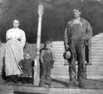 Shull-Artemus—Cora-family-1911