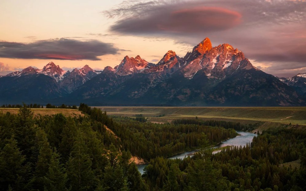 Wyoming's Grand Teton National Park. Photo by Nikhil Nachappa. Tweeted by the US Department of the Interior, 8/22/16.