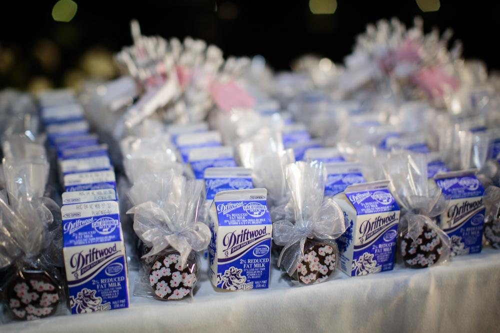 wedding late night snack, cookies & milk