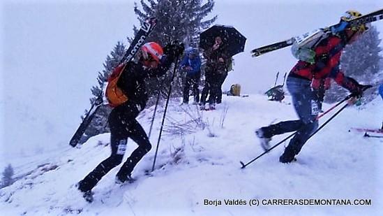 KIlian Jornet y Matheo Jacquemoud luchando por la victoria. Foto: Borja Valdés.