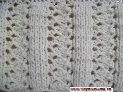 Motivi per sciarpe a maglia con aghi per maglieria - vista del modello openwork d'altra parte