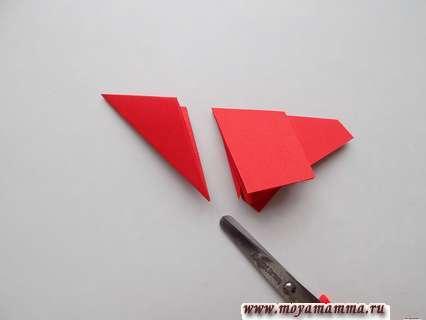 Объемная звезда из бумаги поэтапно. Срезание наружной части заготовки.