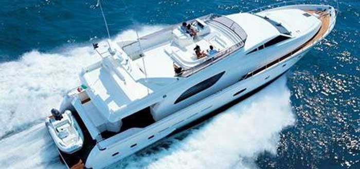 Аренда яхты на Кипре Ferretti 810 Ларнака