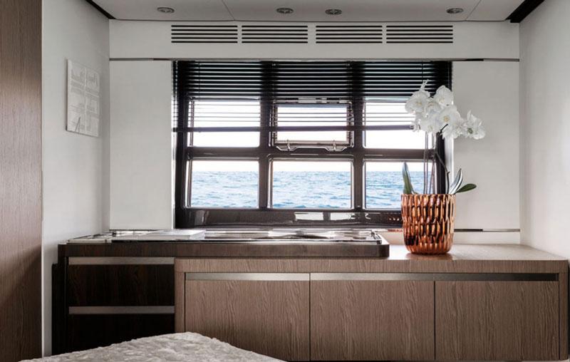 Элитная яхта в аренду azimut s6 Кипр