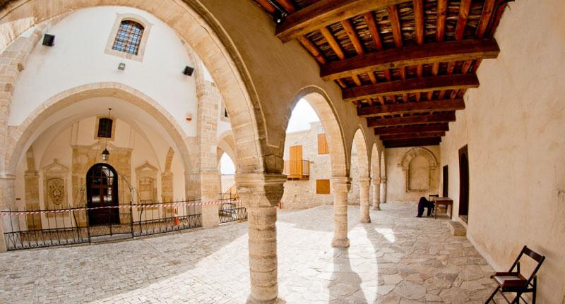 Монастырь святого Креста Кипр