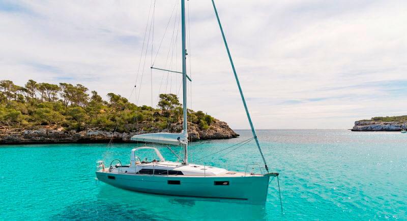 Аренда парусной яхты beneteau oceanis на Кипре