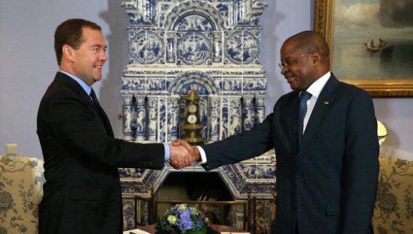 Russia Dimitry Medvedev and Mozambique Alberto Vaquina