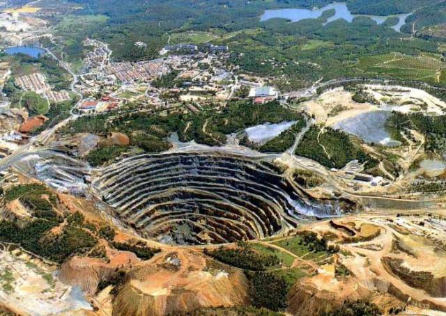 Rio Tinto Murowa Mine in Zimbabwe
