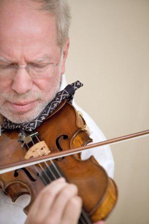 A genialidade de Gidon Kremer, um dos maiores violinistas do mundo