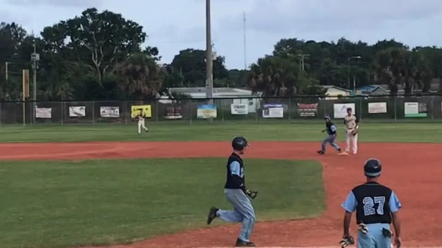 28911775001_6034948736001_6034944199001-th Quincy Carter bunt starts 5-run Rockledge 3rd
