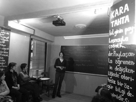 8-Martta-26A-Atlyede-gerekleen-Tarihteki-Anarist-Kadnlar1-Mujeres-Libres-balkl-aktarm