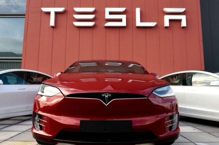 Tesla Buys 1.5 Billion Dollars Worth Of Bitcoin
