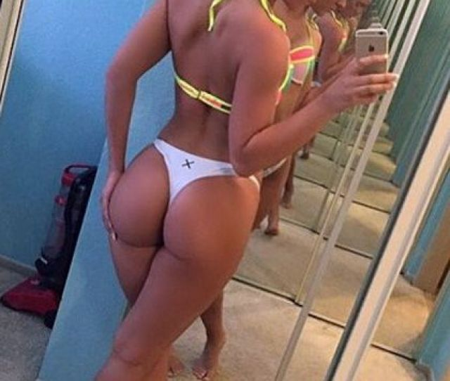 Pictures Amateur Selfshot Of Hot Young Blonde With Sexy Big Ass Pictures