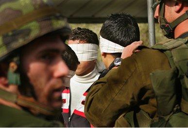 Checkpoint de Beit Iba - Enlèvement d'étudiants palestiniens ayant protesté après être restés bloqués pendant des heures
