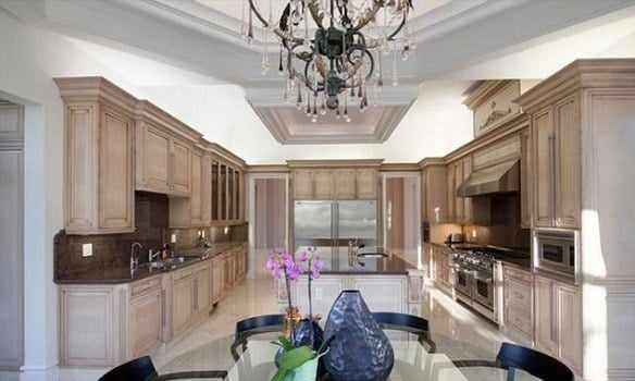 2A5E030900000578-3155516-image-a-13_1436484190511 See inside footballer Steven Gerard's new $18million mansion